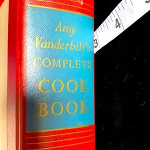 Amy Vanderbilt's Cook Book
